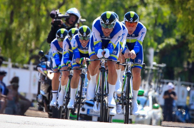 Svein Tuft leading the Orica GreenEdge train during the team time trial, stage 4, 2013 Tour de France. Photo © Cor Vos.